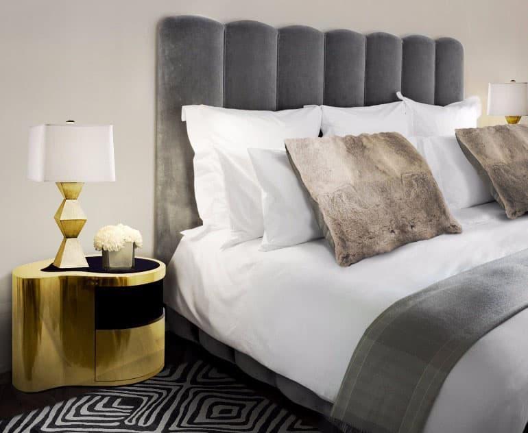 Аксессуары из металла в интерьере спальни 4