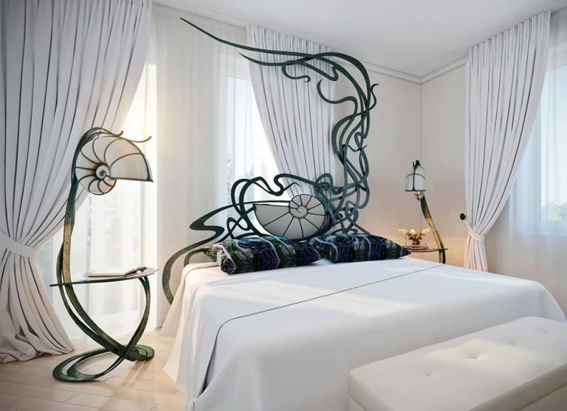 Аксессуары из металла в интерьере спальни 6