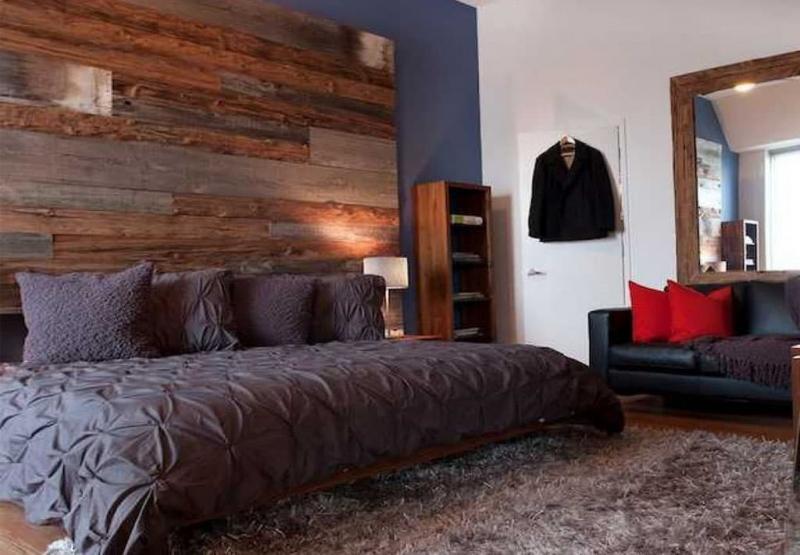 Акцентная стена в спальне из дерева 2