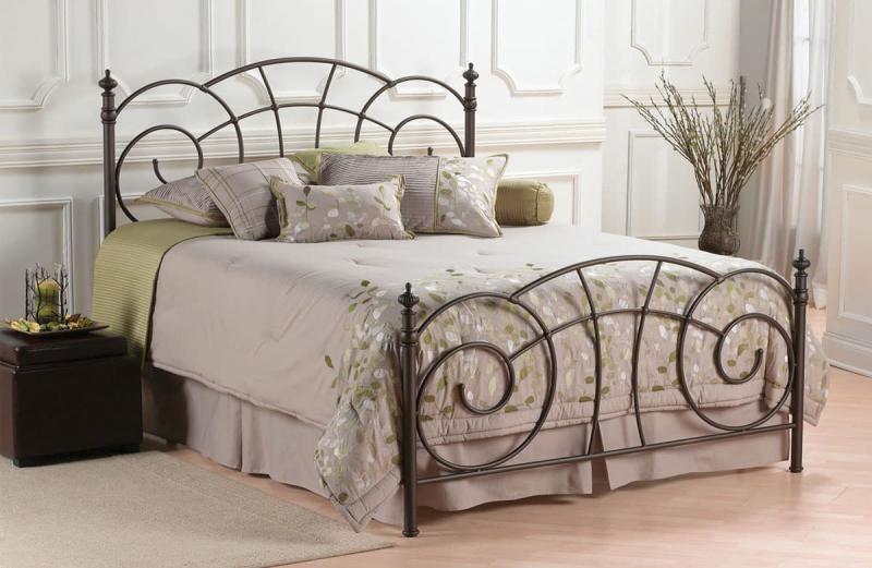 Кованная кровать в интерьере 1