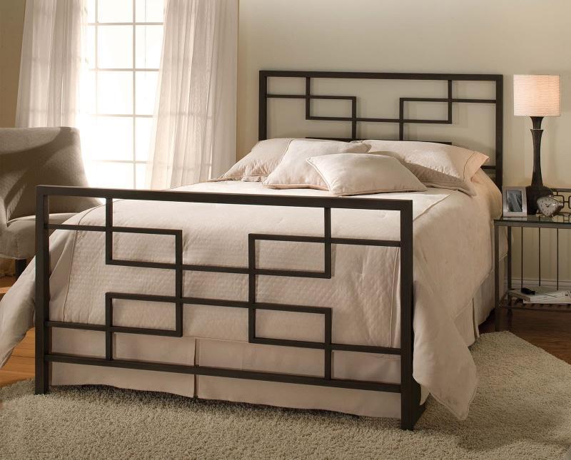 Кованная кровать в интерьере 2