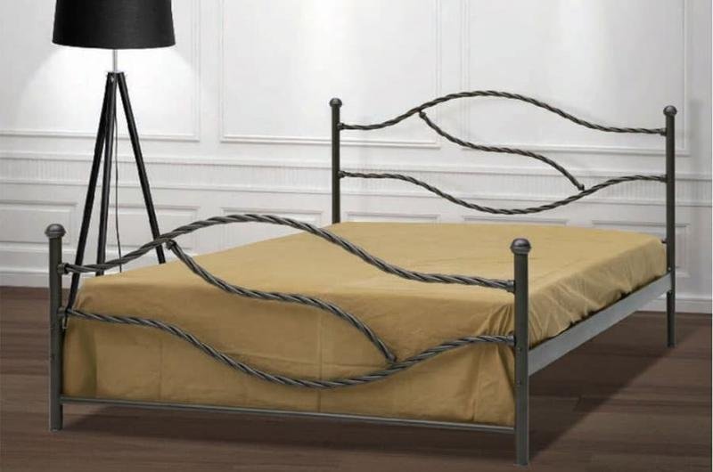 Кованная кровать в интерьере 5