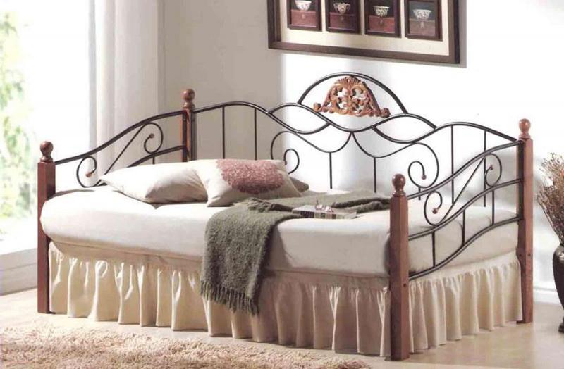 Кованная кровать в интерьере 6