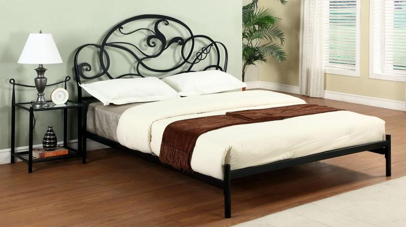 Кованная кровать в интерьере 8