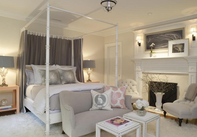Кровать с балдахином 1