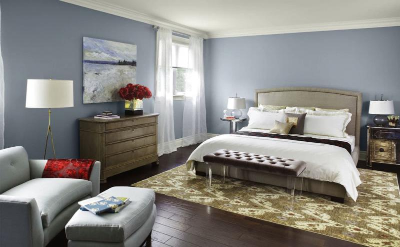 Легкий творческий беспорядок в интерьере спальни 3