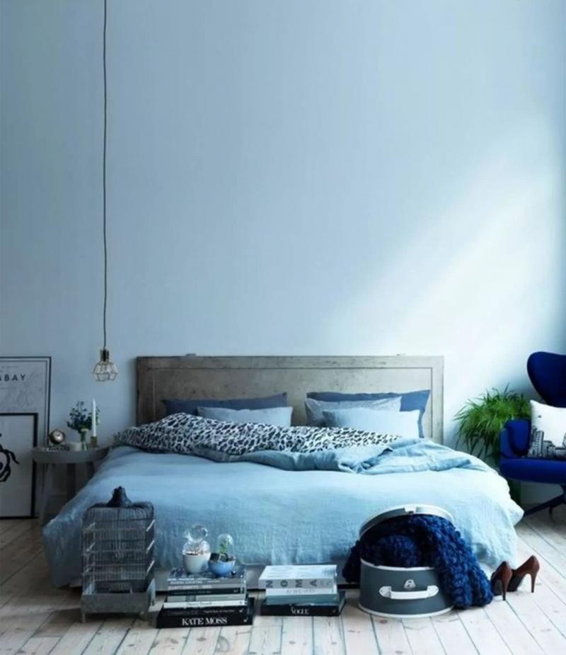 Монохромный интерьере спальни 4