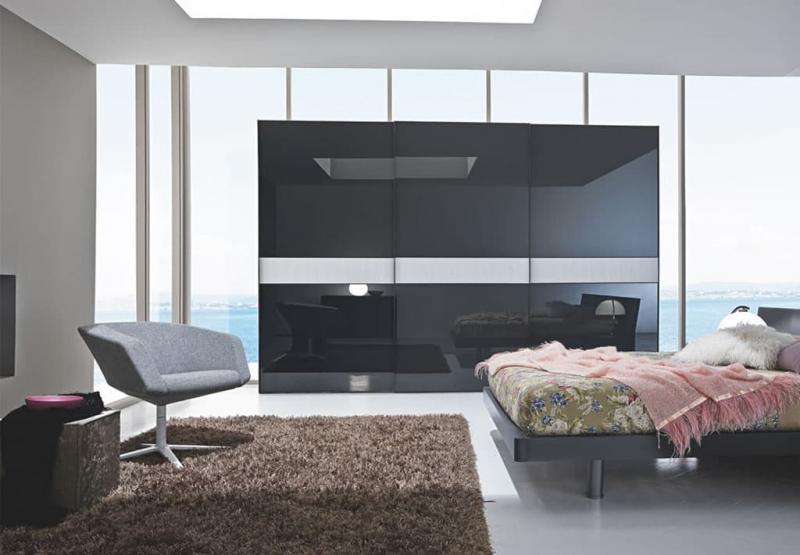 Встроенные шкаф с арт-фасадами 3