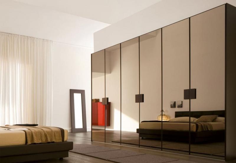 Встроенные шкаф с арт-фасадами 6