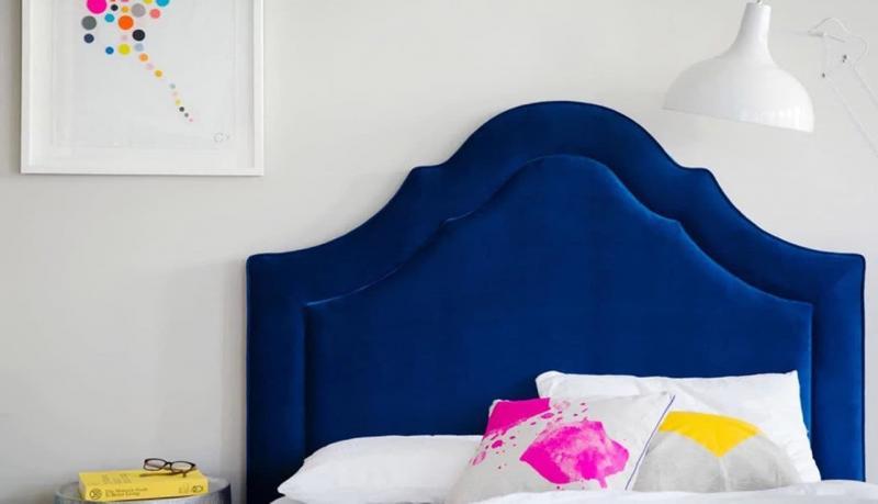 Яркое и мягкое изголовье кровати 2