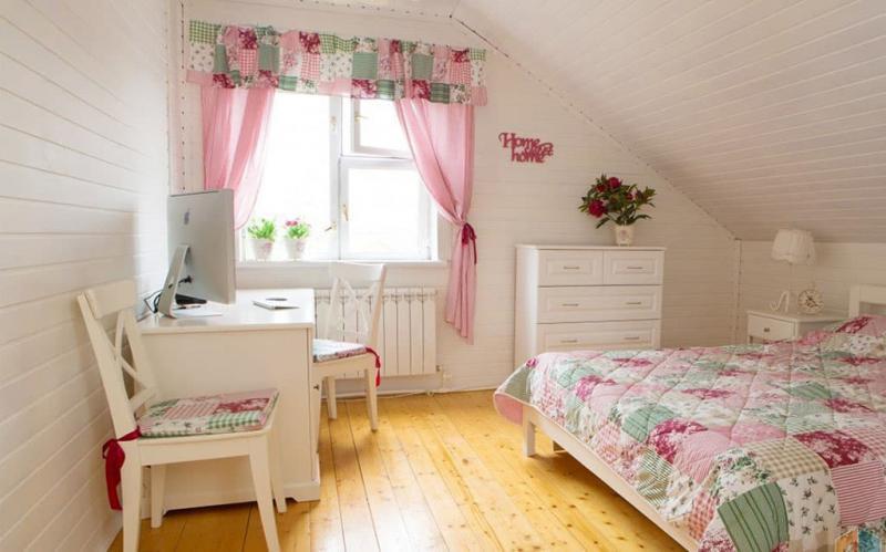 Маленькая спальня в стиле прованс 4