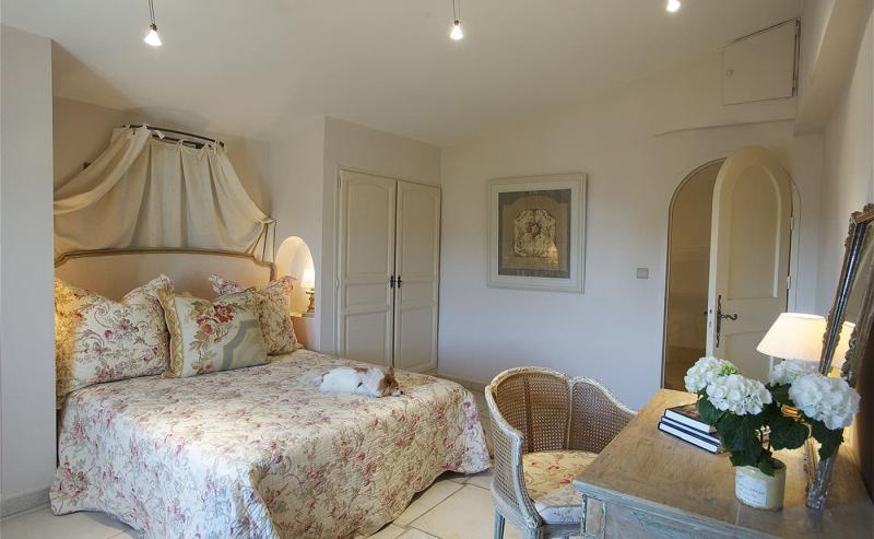 Современные идеи для спальни в стиле прованс 7