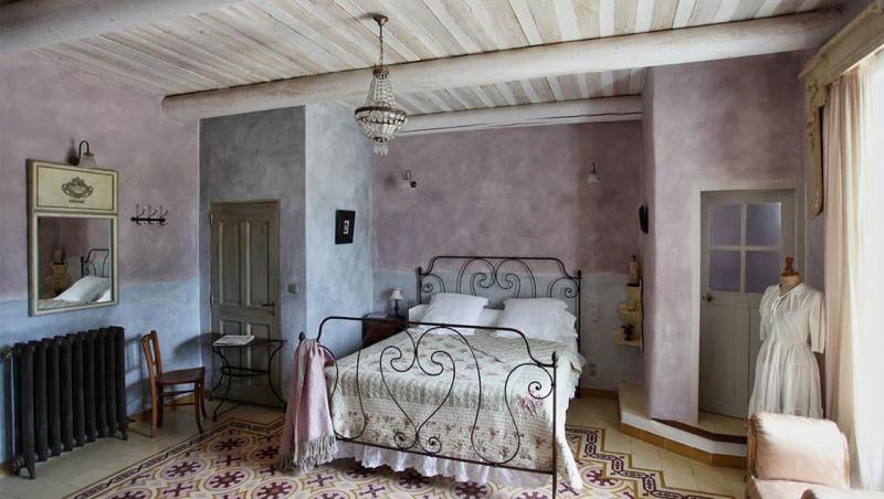 Спальня в стиле прованс в частном доме 6