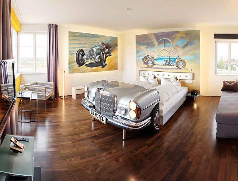 Кровать из старого автомобиля 1