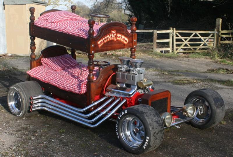 Кровать из старого автомобиля 3