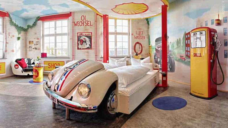 Кровать из старого автомобиля 9