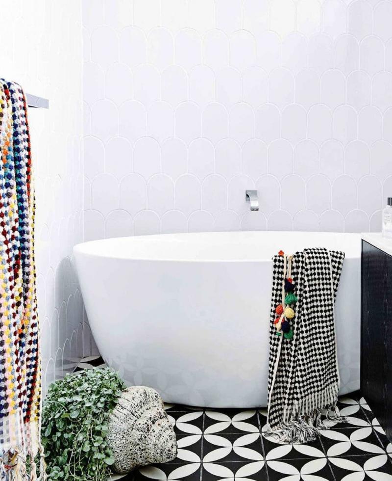 Эклектичная плитка в интерьере ванной комнаты 2
