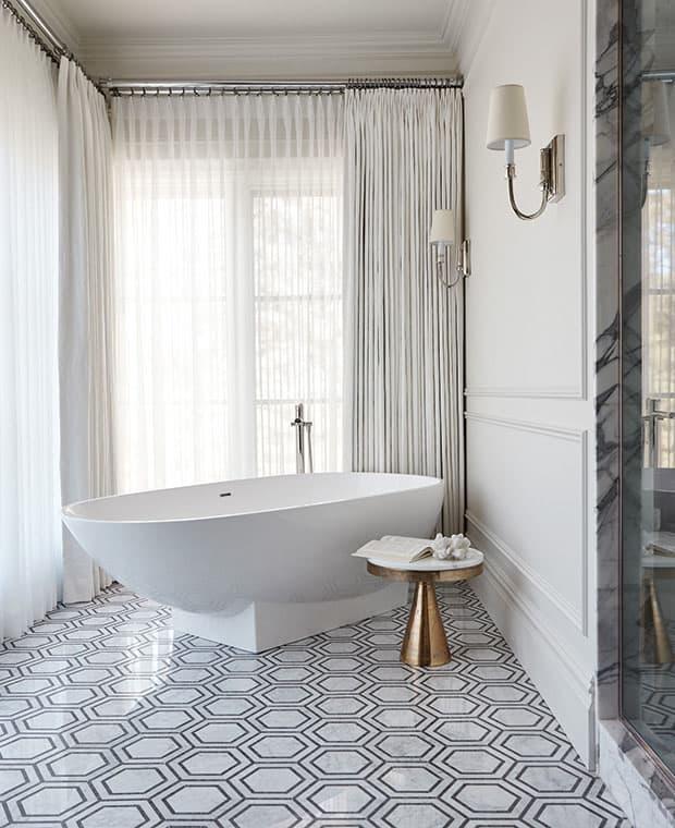 Эклектичная плитка в интерьере ванной комнаты 7