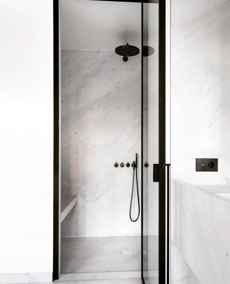 Мрамор в интерьере ванной комнаты 2