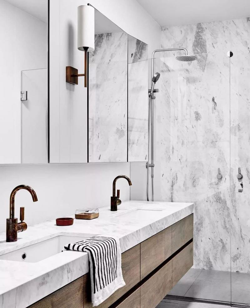 Мрамор в интерьере ванной комнаты 3