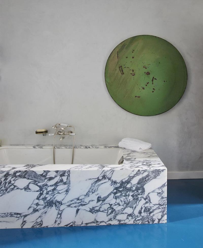 Мрамор в интерьере ванной комнаты 5