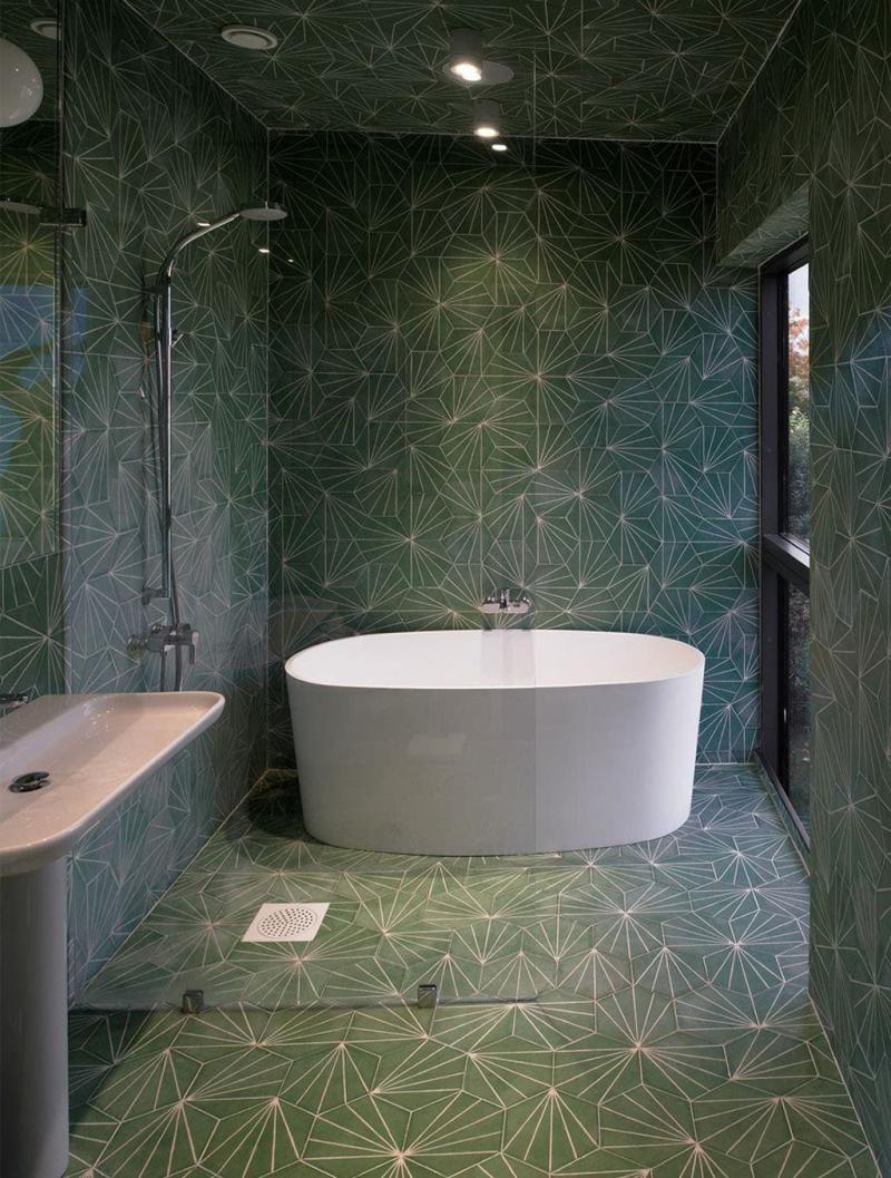Один отделочный материал в ванной комнате 4