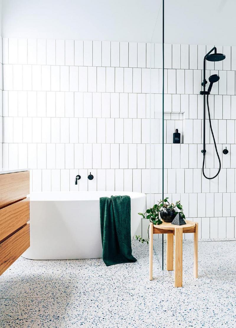 Открытый душ в ванной комнате 2