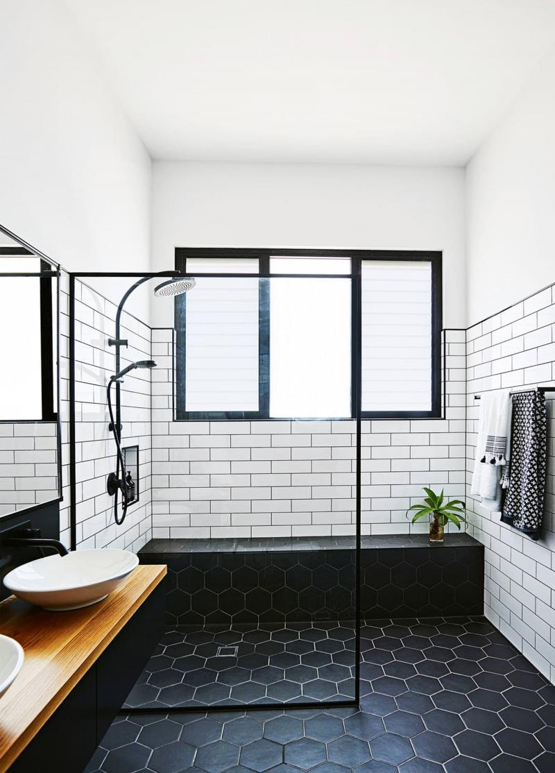 Открытый душ в ванной комнате 4