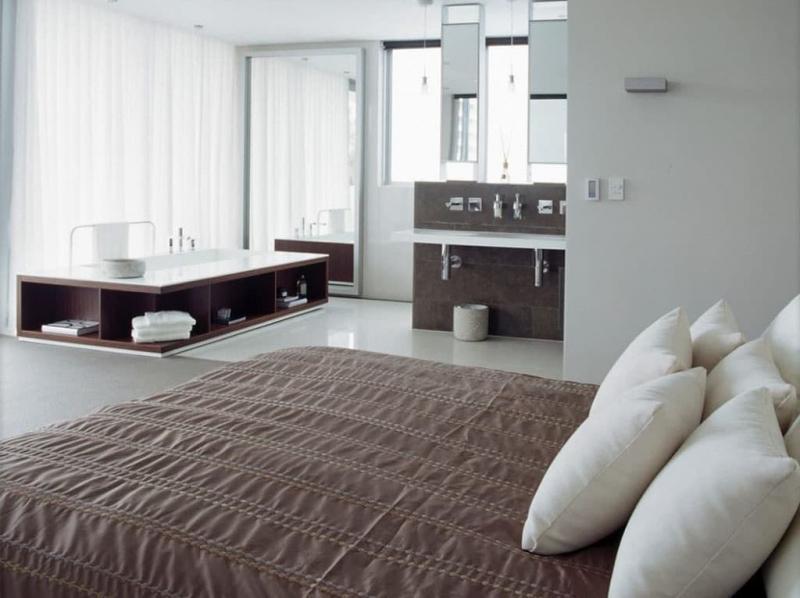 Ванная в спальне 8