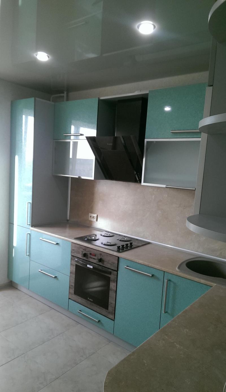 Подъемный фасад на маленькой кухне 3