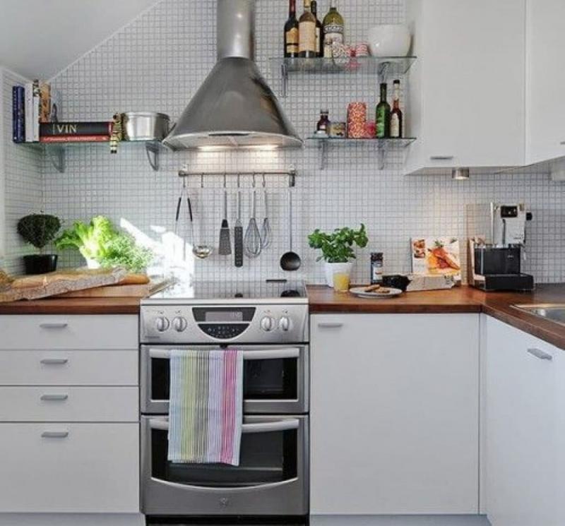 Рейлинги в маленькой кухне 2