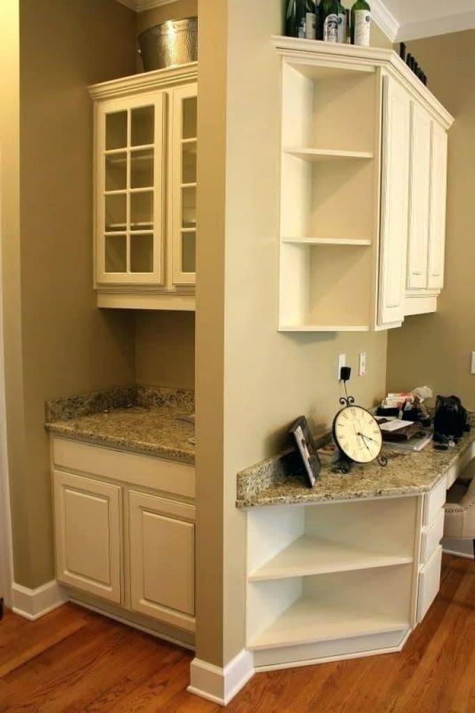 Угловые полки на маленькой кухне 3