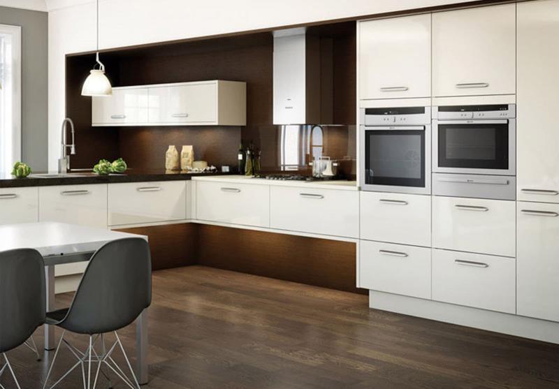 Белая угловая кухня 3
