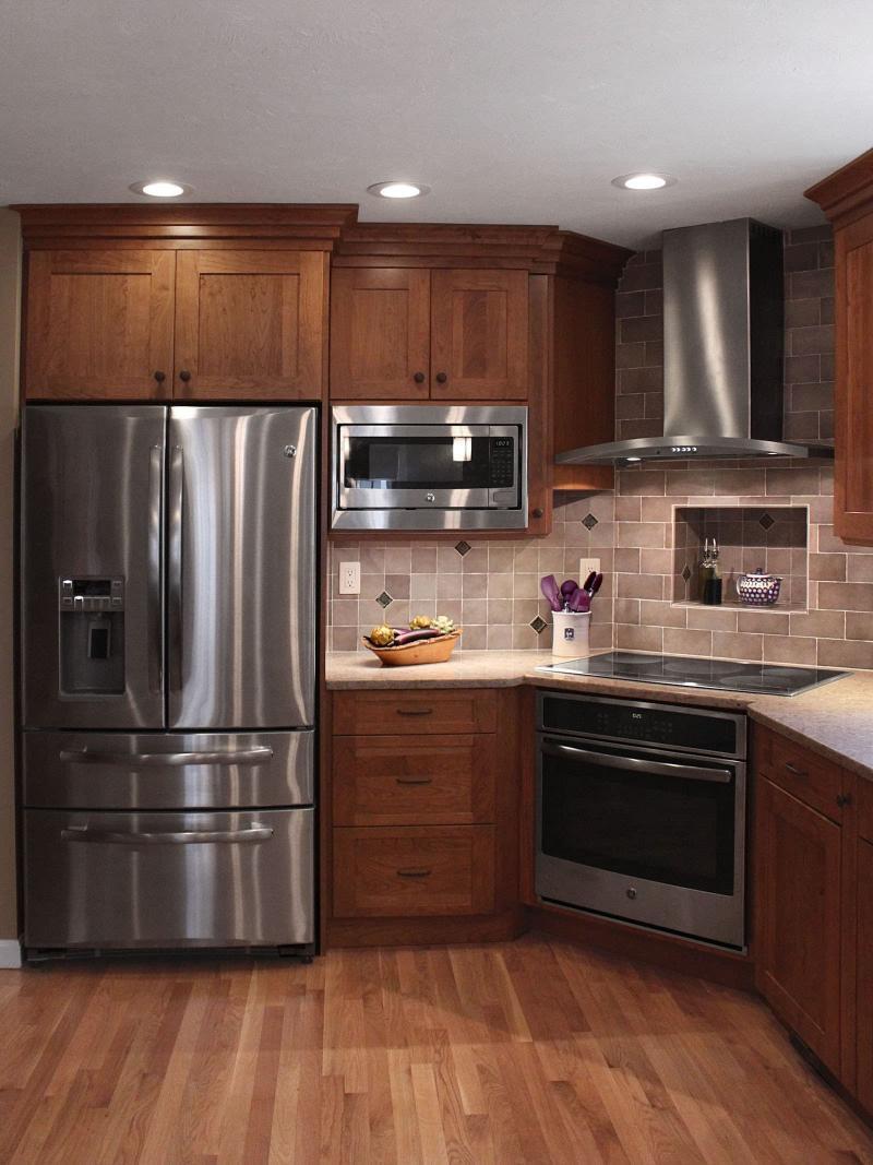 Кухня с угловой вытяжкой 3