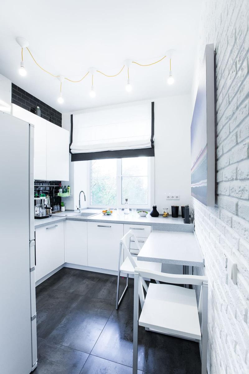 Белая кухня 6 кв. м 1