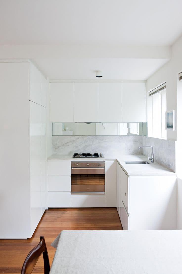 Белая кухня 6 кв. м 2