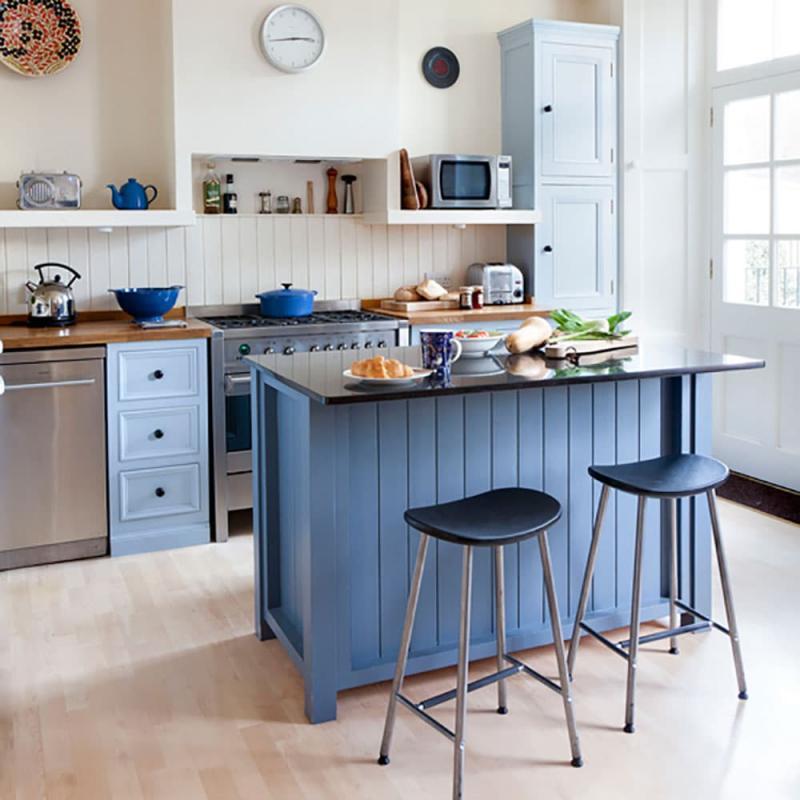 Голубая кухня 6 кв. м 3