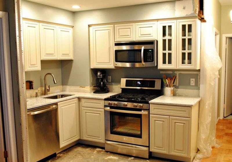 Кухня 6 кв. м в стиле классическом 1