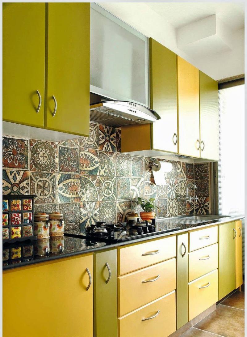 Желтая кухня 6 кв.м 3