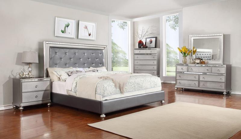 Спальня 18. кв. м с комодом 1