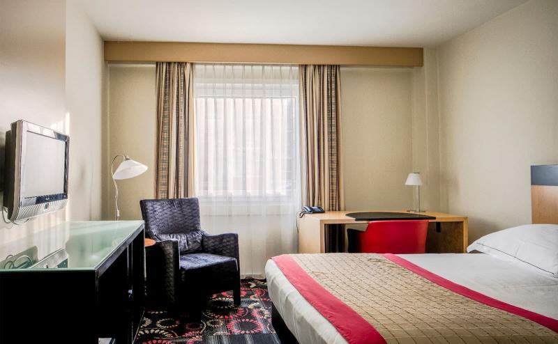 Спальня с рабочим местом 2
