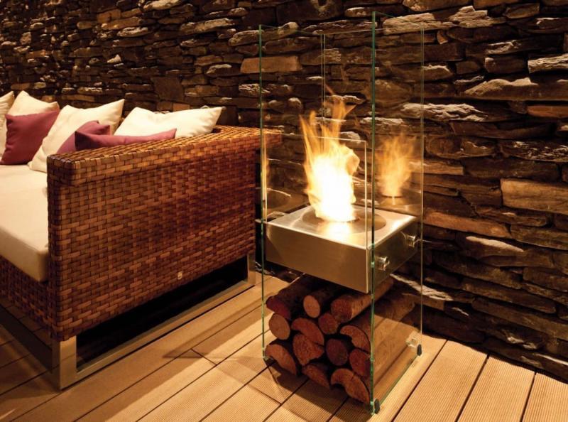 Камин в интерьере гостиной 10