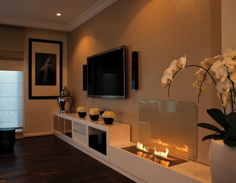Камин в интерьере гостиной 3