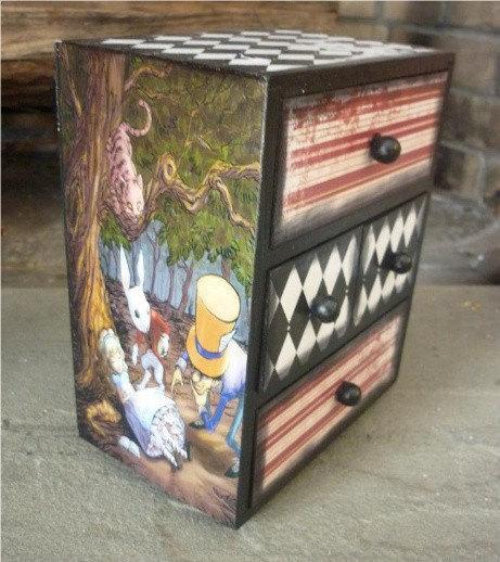 Детская мебель по мотивам Алисы в Стране Чудес 9