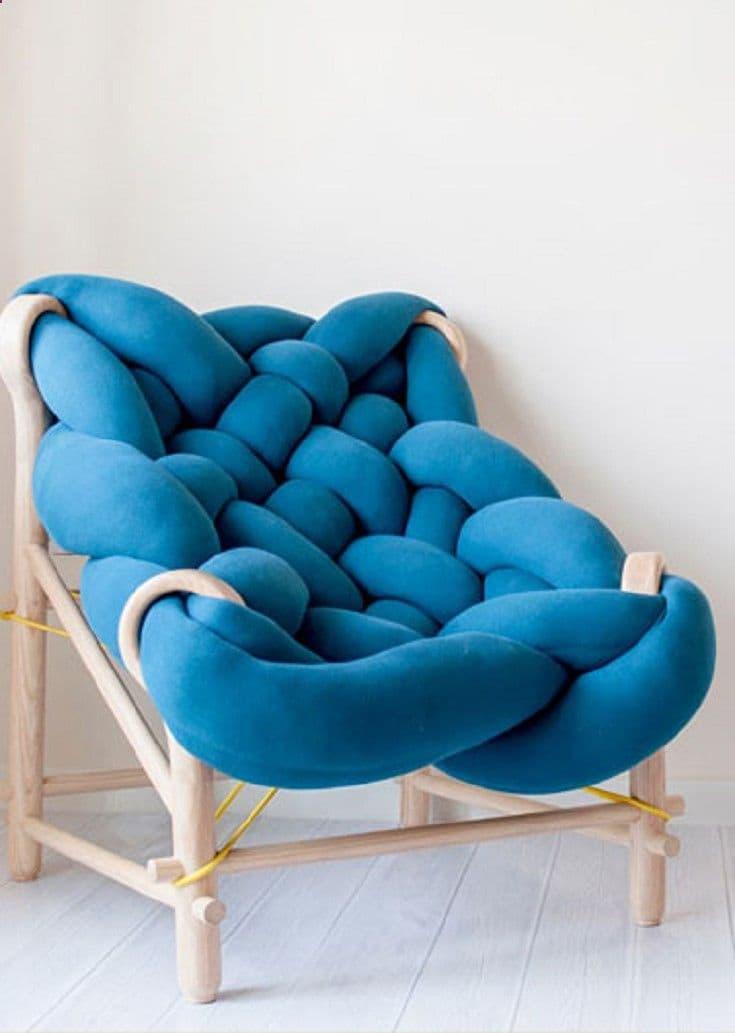 Вязаное кресло для гостиной 1