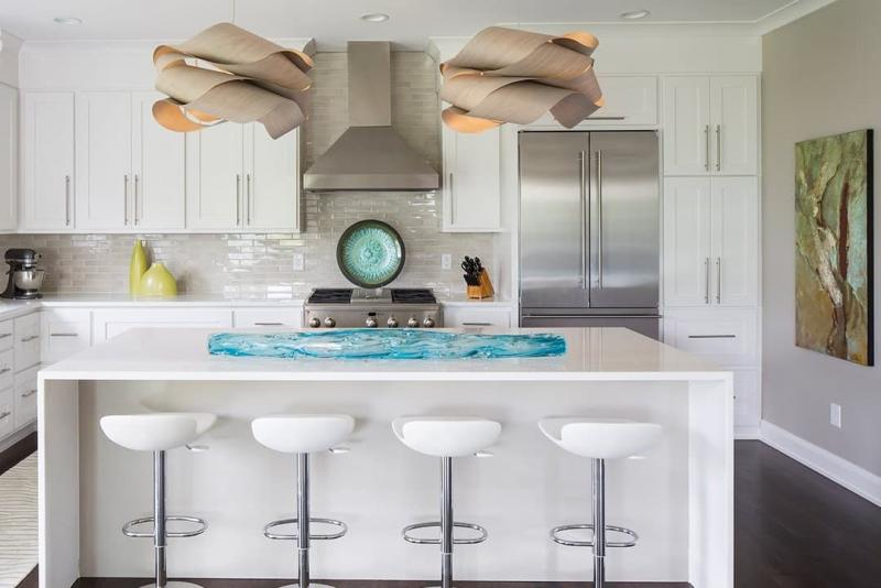 Дизайн белой кухни 12