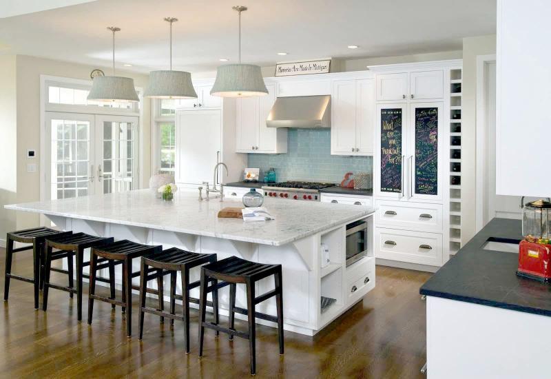 Дизайн белой кухни 14