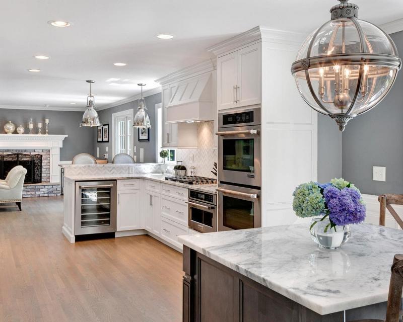 Дизайн белой кухни 15