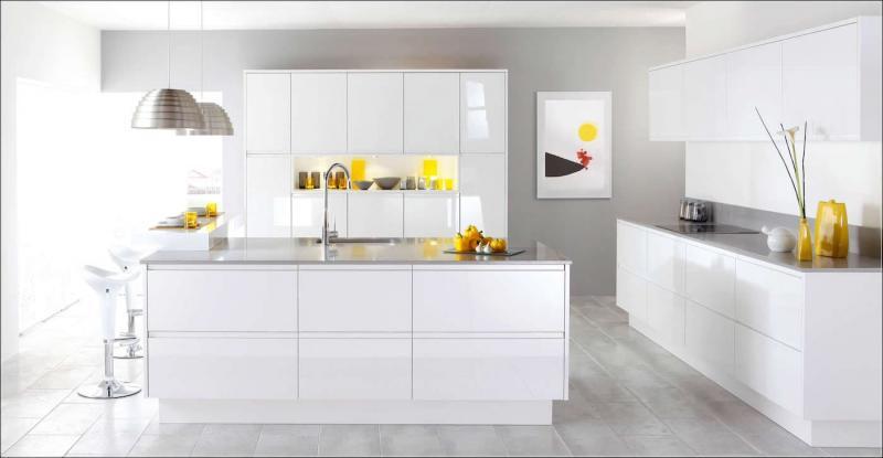 Дизайн белой кухни 8