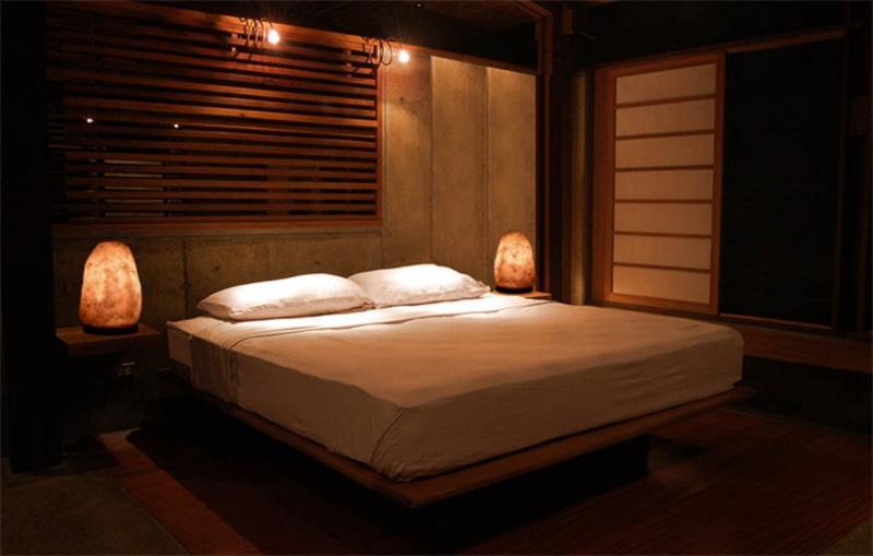 Аромалампа в интерьере спальни 4